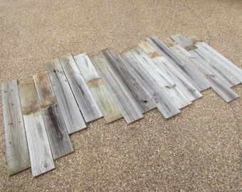 Reclaimed Old Fence Wood Boards - 25 Fence Boards - 36 Inch Length - Weathered Barn Wood Planks - Great For Wainscoting!