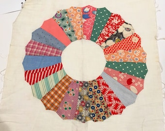 Vintage feedsack quilt square circa 1930s-1940s  Dresden Plate Daisy Quilt Squares