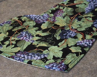 Black Blue Purple Grapes Heart Shaped  18 X 16  Table Runner Topper