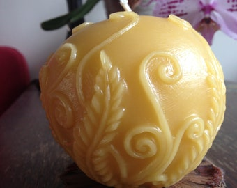 100% Pure Beeswax Round Fern Candle