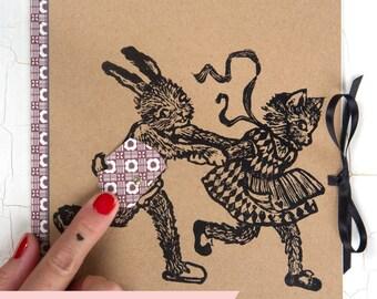 Cahier marrant / Chat et Lapin/ culotte rotative/ cadeau original/ linogravure originale/ cadeau pour ami/ customizé/ cahier vintage