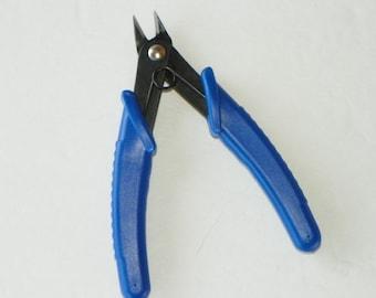 CLOSEOUT- Mini Flush Cutters--Economy