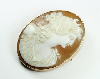 Vintage Victorian (1837-1901) Style 10ct Rose Gold Greek Goddess Selene Conch Shell Cameo Brooch