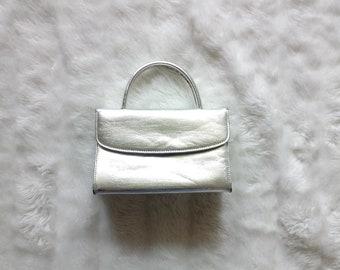 Vintage silver purse | vintage metallic silver boxy handbag purse