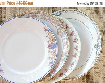 ON SALE Vintage Mismatched China Plates for Weddings  Set of 4,  Replacement China, Bridal Luncheons Tea Party, Baby Shower Bridesmaid Gift