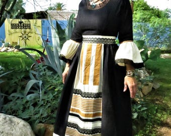 Vintage 1970's Georgia Charuhas Mexican Wedding Dress/ Mexican Folk Art Dress / Maiden Dress Size S/M