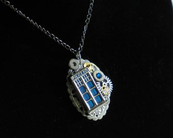 DR WHO/ Dr Who Jewelry/ Tartis/ Tardis Necklace/ Dr Who Necklace/ Steampunk/ Steampunk Jewelry/ Blue/ Police Box/ Tardis Jewelry