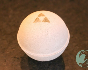 Zelda's Lullaby Inspired Bath Bomb WITH Charm Inside!
