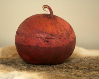 Violet Gourd Bowl with Lid