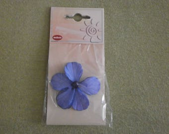 Blue mother of Pearl flower curtain pin