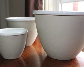 Bennington Potters Vermont Stoneware Mixing Bowls Nested Set | White Glaze Interior | Gray Matte Exterior | 1875 1876 1877 | Vintage 1980s