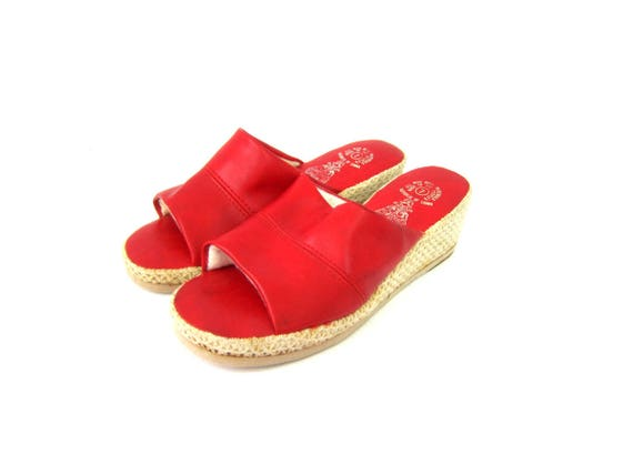 Red Lounge Shoes Slip Ons Bedroom Slippers Retro 1970s Glamour Mules Hollywood Movie Star Costume Shoes Womens size 7
