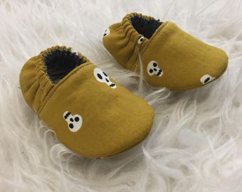 0-3mo RTS Baby Moccs: Skulls Mustard / Baby Shoes / Baby Moccasins / Childrens Indoor Shoes / Vegan Mocc / Soft Soled Shoe / Montessori Shoe