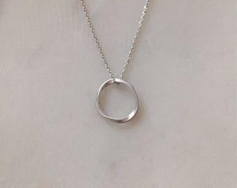 Silber Infinity - minimalistisch Kreis Halskette - moderne Kreis Halskette