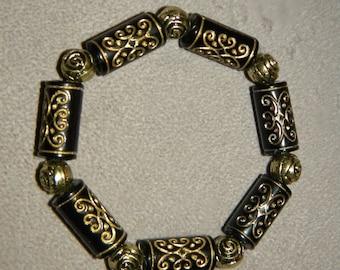 Gold and Black Bracelet, Black Beads with Gold Design, Golden Rose Beads, Beaded Bracelet, Stretch Bracelet