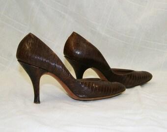 Vintage 1950's Brown Snake Skin Heels By Barefoot Originals - Size 6