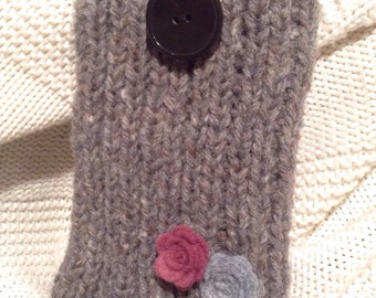 Hand knitted wool mobile phone case cover