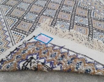 White rug, white  kilim rug, rug, Margoum kilim, white rug, Kilim rug, Moroccan rug, Turkish rug, area rug, Moroccan rug, kilim