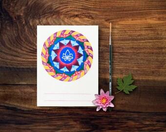 Mandala su cartolina, ideale come regalo per un'amica; è dipinto a mano con fiore di loto, simbolo di purezza e risveglio spirituale.
