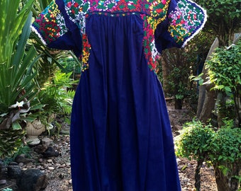 RARE Vintage Oaxacan Maxican heavy Embroidered Midi Dress 1960-1970s  / Maxican Festive Wear / Maxican Wedding dress/Maxicandress Rainbow