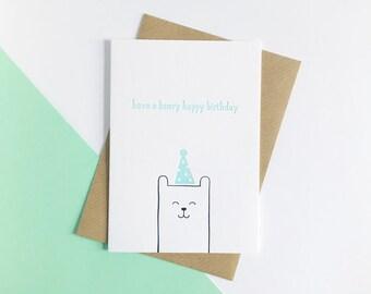 Ont un Beary joyeux anniversaire-carte d'anniversaire de typographie