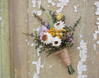Our FIELD FLOWER Dried Flower Wedding Boutonniere - Perfect for your RUSTIC Country Wedding