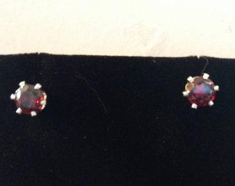 Garnet earrings 6mm
