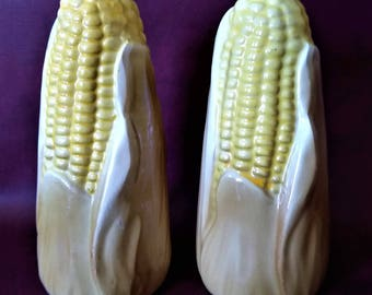 Vintage Corn Cob Salt & Pepper Shakers
