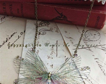 Pretty green and pink rainbow Faerie wings small Necklace