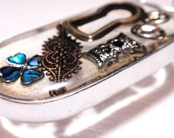 Oval Keyhole Vintage Assemblage Pendant See Through Geometric Vintage Jewelry and Resin Ornament Sun Catcher Acrylics D3