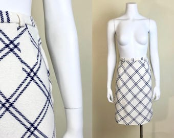Xs/small •• 1960s PLAID offwhite navy blue side metal zipper skirt •• vintage sixties polyester plaid skirt