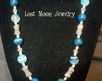 Blue agate and orchid necklace