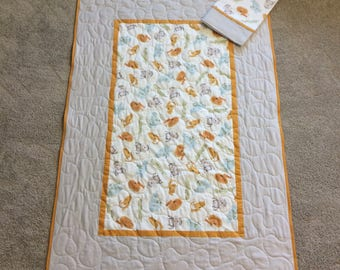 Soft Neutral Animals Quilt 40x60 with Pillowcase