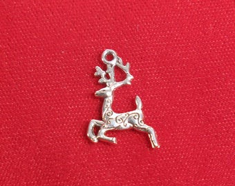 """10pc """"reindeer"""" charms in antique silver (BC1313)"""