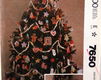 Christmas Decoration Package And Blue Transfer McCall's 7650 Vintage Uncut Sewing Pattern 1981