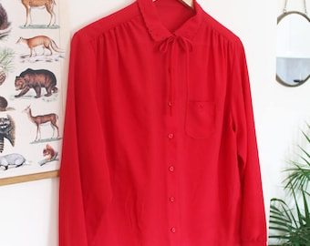 Beautiful vintage red blouse from the 70s // cute embroidered collar  // unique vintage blouse
