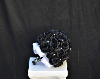 Black and White Clutch Bouquet