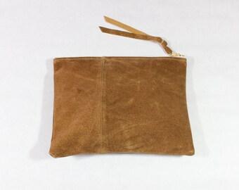 Repurposed Suede pochette tous les jours de 8 pouces / Caramel brun
