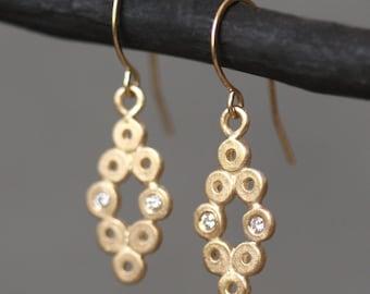 Diamond Shaped Dangle Earrings in 14k Gold with 4 Diamonds
