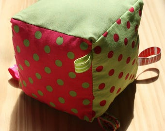 Educational cube for girl in fuchsia and green fabrics