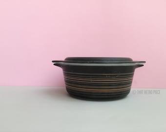 Pyrex 'Terra' #472 casserole dish with lid (c. 1964-65)