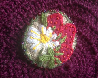 Strawberries Embroidery Brooch!!!  Strawberry Soft Pin, Vintage style