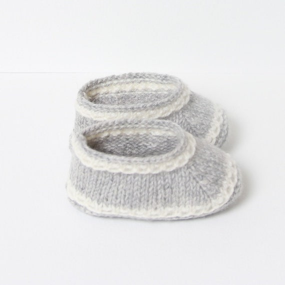 Baby Booties / Knitting Pattern Baby Instructions in French / Instant Digital Download PDF / 3 sizes : Newborn - 3 months - 6 months