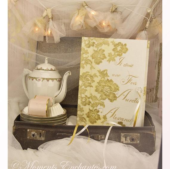 """Cadeau mariage personnalisé Livre d'Or Moments Enchantés collection """" Nuage de Dentelle """" dentelle française"""