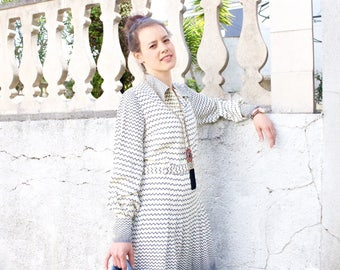 French Vintage 70's chevron print dress / Herringbone Shirt Midi Dress ivory Blue pattern Long Sleeve Pleated Belted Waist 1970s boho / sz L