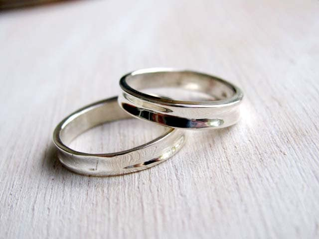 Simple contemporary wedding bands set elegant wedding ring zoom junglespirit Images