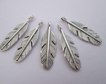5 breloque plume en métal argenté 30 x 9 mm