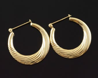 14k Hollow Hoop Scalloped Earrings Gold