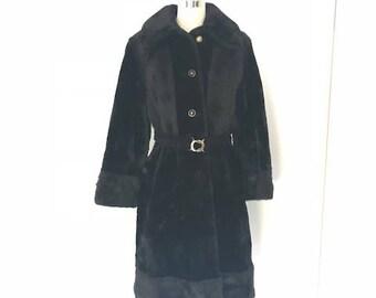 Vintage 1970's MOD Faux Fur by Adorable Coat Corporation l M