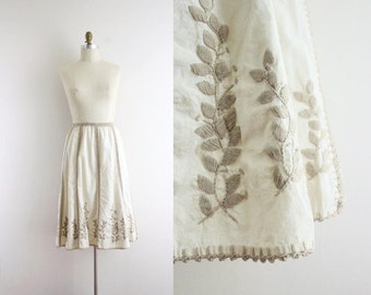 Vintage Skirt . Mexican . Embroidered . Oatmeal . 1970s 70s . XS - Small